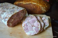 Sunca fiarta si presata - reteta de Pasti (26) Charcuterie, New Recipes, Cooking Recipes, Romanian Food, Yummy Food, Tasty, Pastry Cake, Smoking Meat, Food And Drink