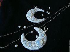Купить Белые серьги с бисером Луна Моей Жизни ( Ночь в Дотракийском Море)…