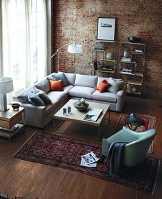 こちらは絨毯の二枚遣い。大きくて立派な絨毯でなくても、こんな風に飾れるんですね。