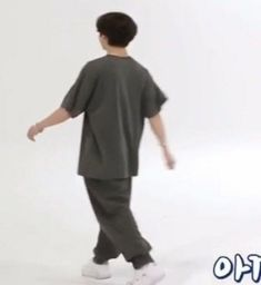"""""""jungkook has no business walking around looking this tiny im gonna burst into tears"""" Foto Bts, Bts Jungkook, Asmr, Kpop, Jeongguk Jeon, Bts Meme Faces, Bts Aesthetic Pictures, All Bts Members, Googie"""