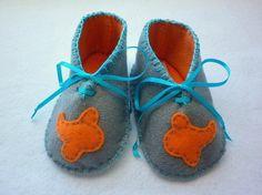 Sweet felt baby shoes