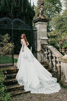 This beautiful ball gown has the most beautiful train ever! It's extravagant regal design is certainly a show-stopper. See this Allure Couture wedding dress at Laura & Leigh Bridal! Couture Wedding Gowns, Designer Wedding Gowns, Wedding Decor, Wedding Reception, Wedding Ideas, Bridal Dresses, Bridesmaid Dresses, Allure Couture, Regal Design