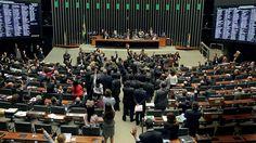 """Canadauence TV: Câmara dos Deputados aprova terceirização para """"qu..."""
