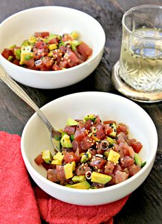 I have a plan b: Tuna tartare - Tuna tartare Fresh Tuna Recipes, Healthy Tuna Recipes, Fish Recipes, Seafood Recipes, Asian Recipes, Healthy Eating, Healthy Food, Tuna Tartare Recipe, Ceviche Recipe