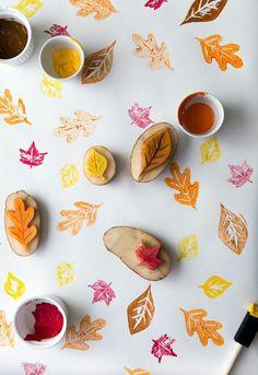 stempel aus kartoffel selber machen, baumblätter, bunte farbe