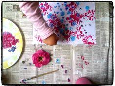 Peindre avec des fleurs, bricolage printemps