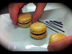 ▶ Les Macarons faciles ! (meringue française) par Alexis Vergnory - YouTube