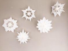 Sterne aus Papier, Sterne aus Butterbrotpapier, Anleitung, diy, basteln im advent