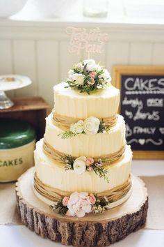 Rustic Wedding Cake | Cat Lane Weddings | http://www.rockmywedding.co.uk/tabitha-paul/ #rusticweddingcakes