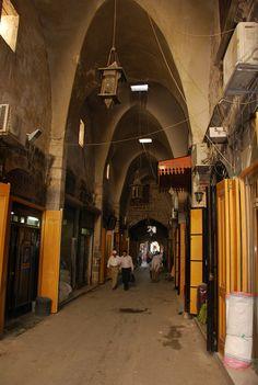 Aleppo - Old Souq Streets I   von zishsheikh