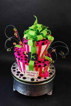 Wedding Gift For 11 Year Old Boy : Topsy Turvy Damask Wedding CakeWedding Cakes