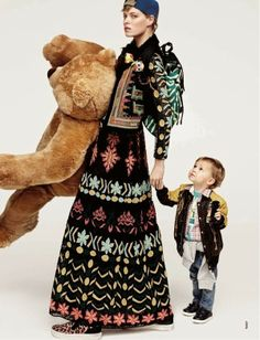 D La Repubblica April 2014 Fashion Kids, Folk Fashion, Women's Fashion, Mom And Baby, Mommy And Me, Family Shoot, Kids Fashion Photography, Mommy Style, Mom Daughter