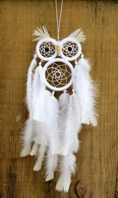 filtro dos sonhos de coruja apanhador dreamcatcher Dream Catcher Patterns, Owl Dream Catcher, Dream Catcher Decor, Dream Catcher Mobile, Dream Catchers, Weaving Projects, Craft Projects, Los Dreamcatchers, Dreamcatcher Feathers