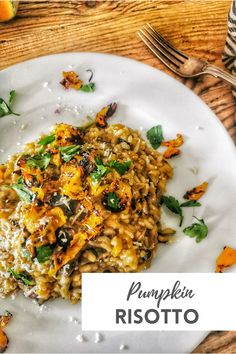 This Pumpkin Risotto is a perfect one pan dish. Because it's so simple, you're going to be wanting to make again, and again. It's so rich, creamy and tasty. Packing huge depth of flavour! #risotto #pumpkinrisotto #ricerecipes #italian