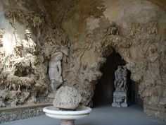 Top 20 things to do in Florence: Inside the Grotta del Buontalenti