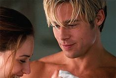 Brad Pitt in Meet joe black dir. Brad Pitt Gif, Brat Pitt, Claire Forlani, Brad And Angelina, Don Juan, Most Beautiful Man, American Actors, Pretty Boys, Cute Guys