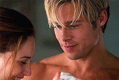 Brad Pitt in Meet joe black dir. Brad Pitt Gif, Junger Brad Pitt, Brat Pitt, Claire Forlani, Brad And Angelina, Don Juan, Leonardo Dicaprio, Most Beautiful Man, Hollywood