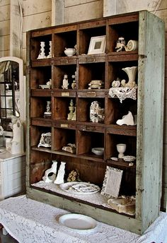 Open Shelving - cubbies - natural finish on the inside, with a painted exterior cabinet - Miss Gracie's House Vintage Industrial Decor, Vintage Decor, Vintage Display, Shabby Chic Furniture, Diy Furniture, Antique Booth Displays, Do It Yourself Design, Design Retro, Design Design