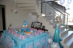 Frozen party décor and table setting & Disney Frozen table setting | frozen birthday party | Pinterest ...