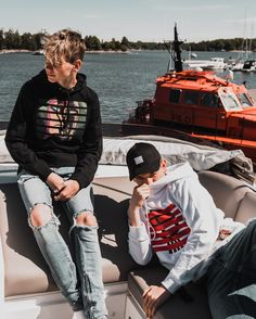 When we were on a 🚤 in 🇫🇮