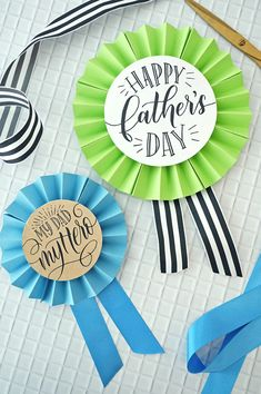 Valentine Crafts For Kids, Fathers Day Crafts, Easy Crafts For Kids, Projects For Kids, 60th Birthday Party Decorations, Reunion Decorations, Party Themes, Father's Day Printable, Cd Crafts