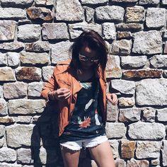 SAMANTHA KIST www.samanthakist.com Blogger Mode Made In Belgium Blogger Belgian Girl Fashion Yesterday's outfit !  On sort le premier short de l'année  — #outfit #blogger #bloggers #bloggerlife #bloggerstyle #streetstyle #instastyle #girl #parisianblogger #parisiangirl #belgianblogger #style #street #designer #fashion #fashionista #mode #modellife #fashionblogger