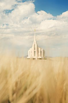 Rexburg Idaho @Chelsea Paulson look at this picture of the Rexburg temple - neat!