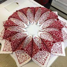 Fold'n Stitch Wreath Pattern Brooklyn Fabric Company
