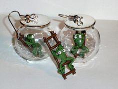 Ohrringe Frosch Leiter Glaskugel handgemacht von Verrückte Ohrringe und Schmuck Welt auf DaWanda.com