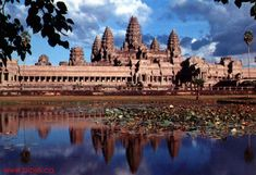 Khmer Temple Prasat Angkor Wat in Angkor, Siem Reap Province, Cambodia Top Travel Destinations, Best Places To Travel, Places To See, Places Around The World, Around The Worlds, Jungle Temple, Paradise On Earth, Angkor Wat, Christen