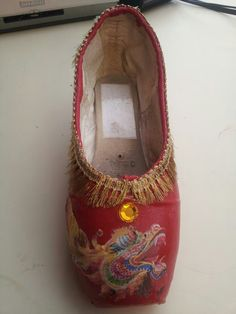 Chinese from Nutcracker ballet pointe shoes
