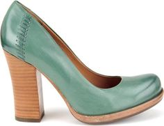 retro and uber cool.  The Kork-Ease Simone pump. #retro #shoes #shoeline
