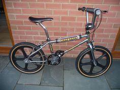 1985 Mongoose Californian w/ black Skyway Mags Vintage Bmx Bikes, Old Bikes, Retro Bikes, Bmx Cruiser, Bmx Street, Antique Bicycles, Buy Bicycle, Power Bike, Bmx Racing