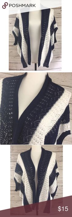 Leo & Nicole Sweater Cardigan Navy Blue & White Women's Size - Large - Leo & Nicole Open Knit Sweater Cardigan - Navy Blue & White Striped Shirt Wrap - Short Sleeve - 100% Cotton Condition:Excellent pre-owned condition; no obvious flaws Leo & Nicole Sweaters Cardigans