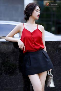 Street style hai miền tuần qua: Con gái nhẹ nhàng, yểu điệu; con trai thì đơn giản vẫn là nhất - Ảnh 12. Korean Fashion Dress, Asian Fashion, Skirt Fashion, Girls Fashion Clothes, Fashion Outfits, Clothes For Women, Womens Fashion, Casual Work Outfits, Pretty Outfits
