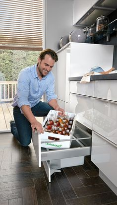 Kube has a huge selection of internal storage solutions to suit your specific requirements. From cutlery inserts to corner solutions and clever pull out storage units to recycling bins – you will be spoilt for choice. Kitchen Cabinet Design, Modern Kitchen Design, Kitchen Cabinets, Cuisine Elite, Armoire, Wardrobe Furniture, Recycling Bins, Cuisines Design, Kitchen Accessories
