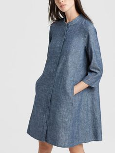 Wear as dress, tunic or open as a duster. Work Fashion, Denim Fashion, Fashion Outfits, Dress Over Jeans, Shirt Dress, Cotton Tunics, Cotton Dresses, Chambray Outfit, Womens Denim Dress