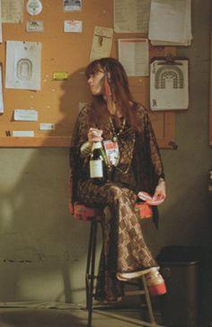 epoca Fairuza Balk as Sapphire, my high school spirit animal form Almost Famous. Fairuza Balk, Pixie, Dark Look, Alternative Outfits, Punk, 70s Fashion, Costume Design, Retro, Cowgirls
