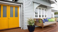 Holiday Home Reveal: Front Deck (Zone 1) - Photos - House Rules - Official site
