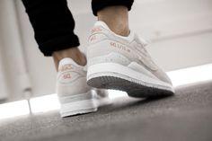 "ASICS GEL LYTE III ""ROSE GOLD PACK"" SLIGHT WHITE/SLIGHT WHITE  available at www.tint-footwear.com/asics-gel-lyte-iii-rose-gold-pack-h624l-9999  Asics gel lyte III Rose Gold Pack white leather sneakers runners kicks tint footwear studio munich"