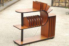Deco Walnut Shelf Room Divider Media Stand van ilikemikes op Etsy, $899,00