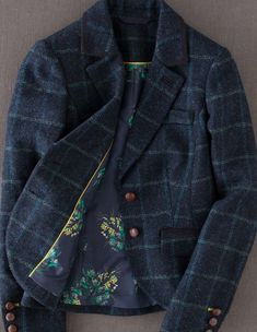 Love a plaid blazer...but the floral lining is what makes this piece extra special. :)