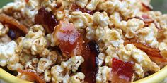 Maple popcorn with candied bacon. This absolutely delicious popcorn recipe flips the script on popcorn and you'll love it! Bacon Popcorn, Popcorn Recipes, Snack Recipes, Popcorn Flavours, Popcorn Toppings, Pop Popcorn, Caramelized Bacon, Candied Bacon