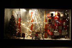 best-window-displays_selfridges_christmas_2012_not-your-usual-christmas_23