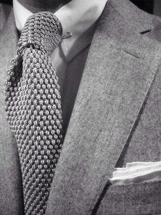 suit'n tie   grey