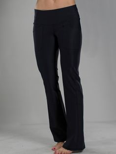 Need new golf apparel? JoFit Ladies takes pride in offering women's golf clothing for all shapes and sizes. Buy this Sangria (Black) JoFit Ladies Live In Golf/Tennis Pants today from Lori's Golf Shoppe!