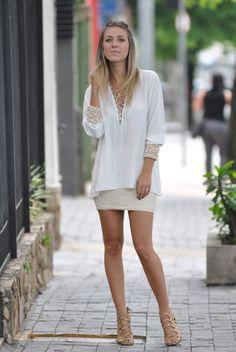 Camisa bordada, look com camisa, camisa e saia, look com camisa bordada. #look #spring