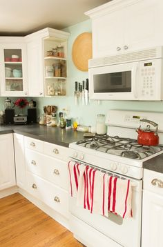 Find Your Perfect Paint Color: Inspiration for the Kitchen (with Actual Paint Names)