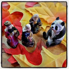 The Schlep of the Magi Begins Again and already the Magi encounter unexpected panda-monium. #advent