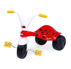 0732.1 - Triciclo Joaninha | Super resitente, fabricado em plástico injetado, vêm com adesivos para a criançada decorar seu triciclo como quiser. | Faixa Etária: +2 anos | Medidas: 57,5 cm | Triciclos | Xalingo Brinquedos | Crianças